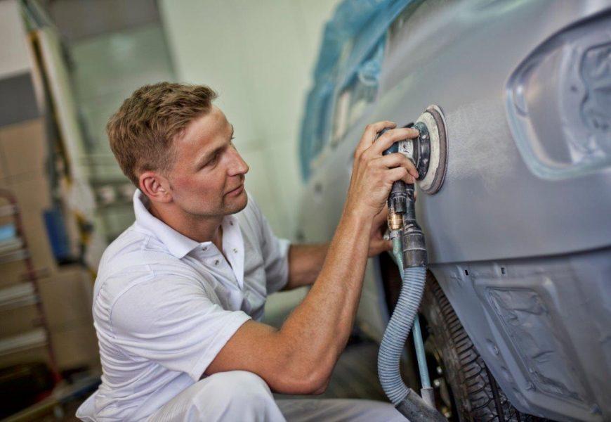 Różne rodzaje lakierów samochodowych