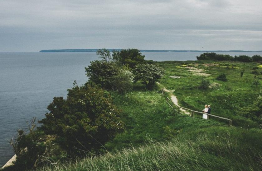 Fotograf ślubny – łowca uśmiechów